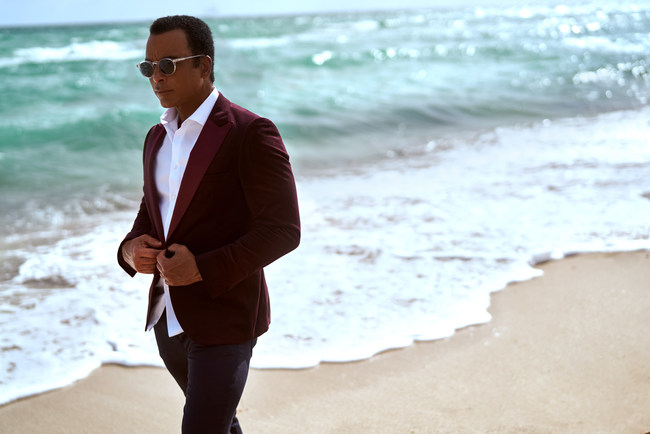 Jon Secada to kick off 'JazzAid Live from the Banyan Bowl' at Pinecrest Gardens